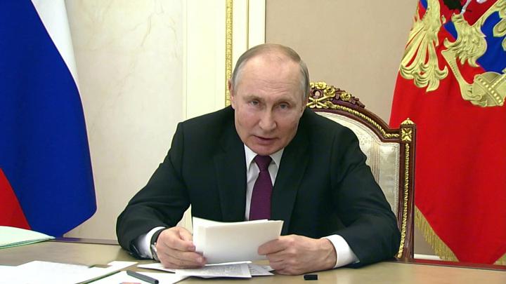 Путин напомнил об истории с Михалковым