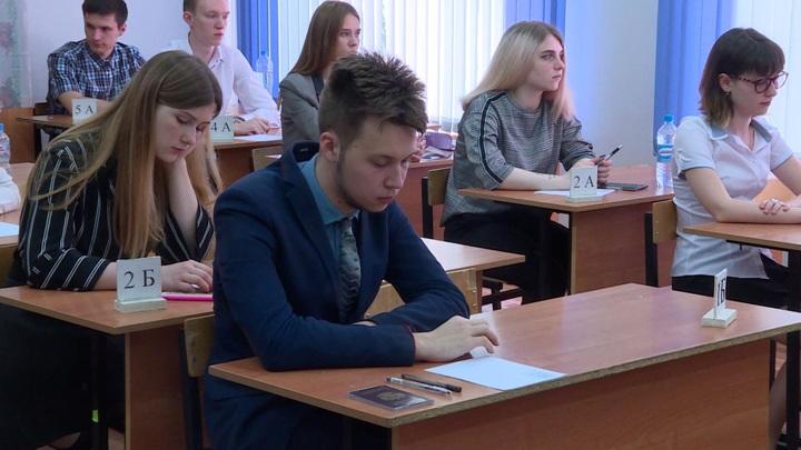 Путин поручил сократить число контрольных и проверочных работ в школах