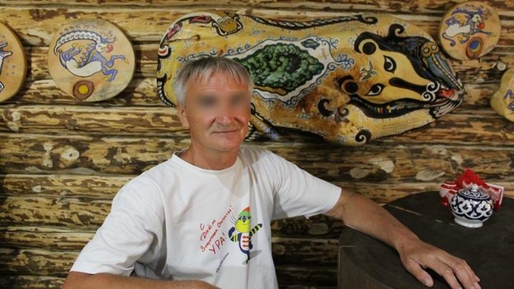 В Новосибирске школьница обвинила 61-летнего друга семьи в домогательствах