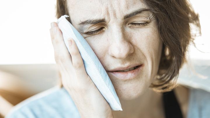 Холод часто провоцирует зубную боль.