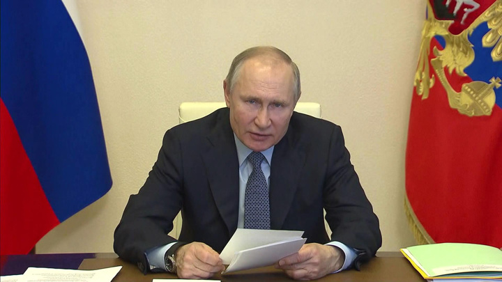 Владимир Путин: к концу года нужно восстановить рынок труда в России