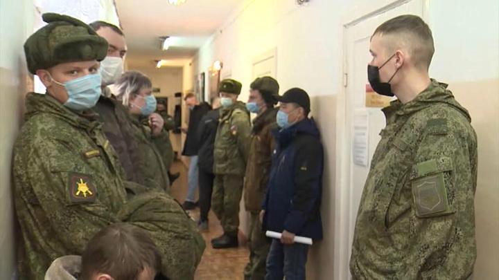 В вооруженных силах России началась ревакцинация от коронавируса