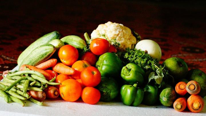 Правильное питание и физическая активность спасут от проблем со здоровьем в старости.