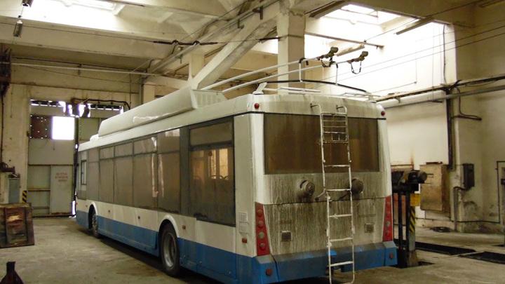Неуправляемый троллейбус задавил своего водителя в уфимском депо