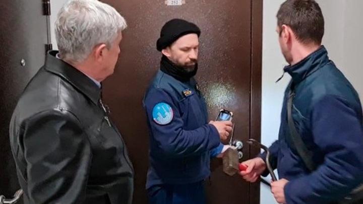 Обнинские спасатели вызволили 94-летнюю пенсионерку из закрытой квартиры