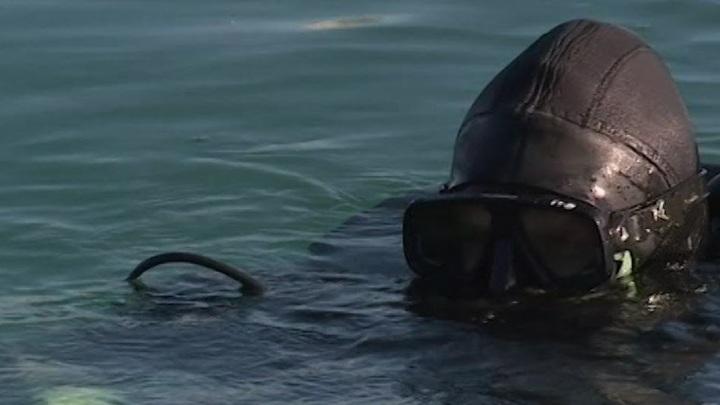 В Севастополе водолазы Черноморского флота тренируются на глубине 30 метров