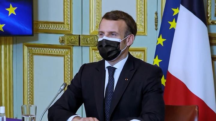 Во Франции назвали политизированным письмо военных Макрону