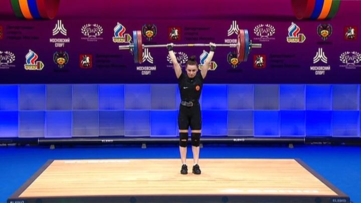 Штангистка Ершова заняла второе место на чемпионате Европы