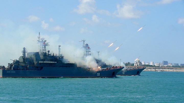 Корабли РФ проводят в Черном море больше времени из-за активности НАТО
