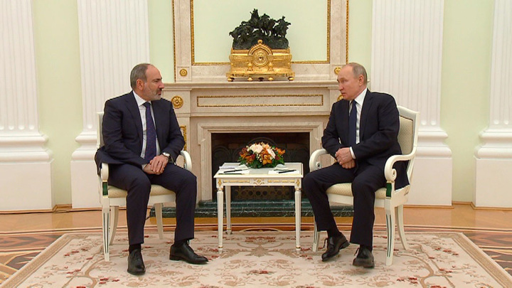 Встреча Владимира Путина и Никола Пашиняна проходит в Москве
