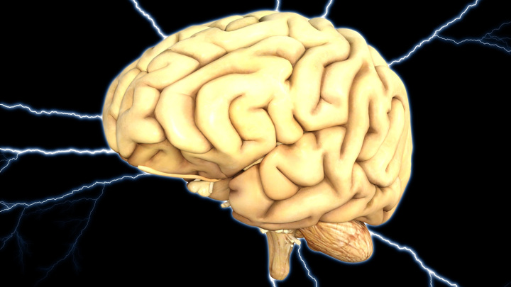 В результате черепно-мозговой травмы разрушаются нейронные связи в мозге, что может стать причиной необратимых неврологических нарушений.