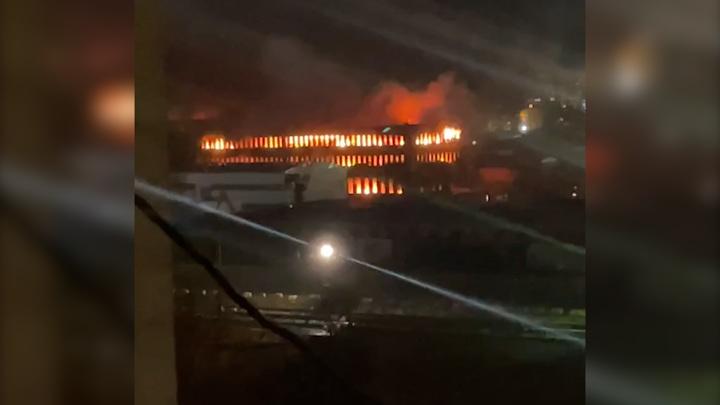 Площадь пожара на складе бытовой химии в Люберцах увеличилась