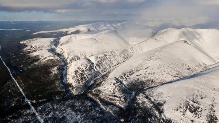 В Кировске специалисты спускают лавины