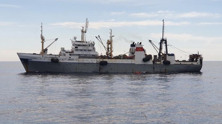 Пожар вспыхнул на борту российского траулера в Охотском море