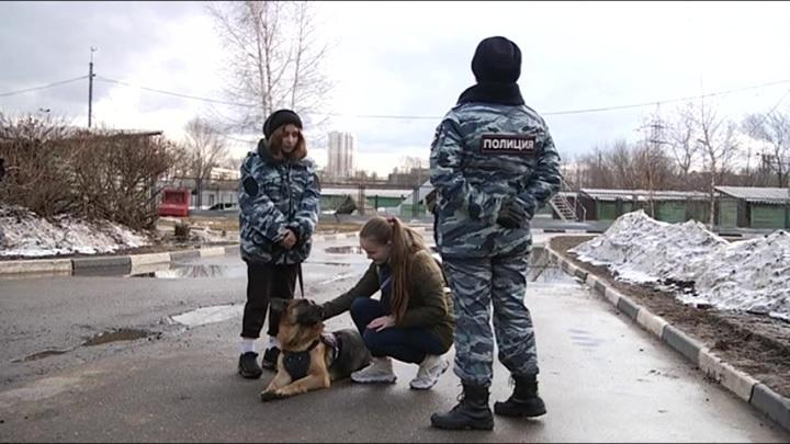 Московские полицейские исполнили мечту 15-летней девочки Линды