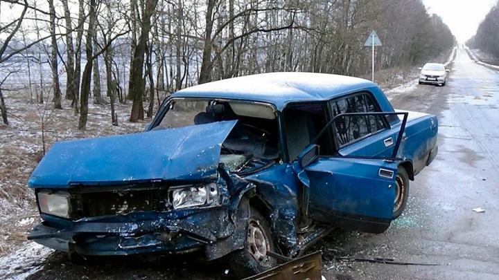 Пять человек пострадали в пьяной аварии под Орлом