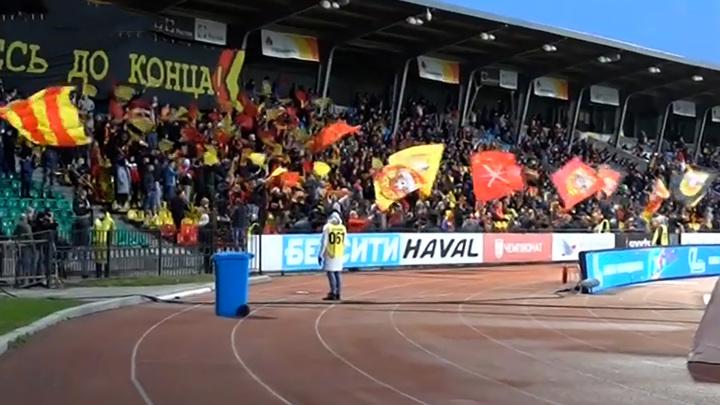 В Туле привившимся от COVID-19 любителям футбола подарили билеты на матч