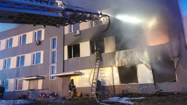 Пожар на складе в Электростали потушен спустя 19 часов