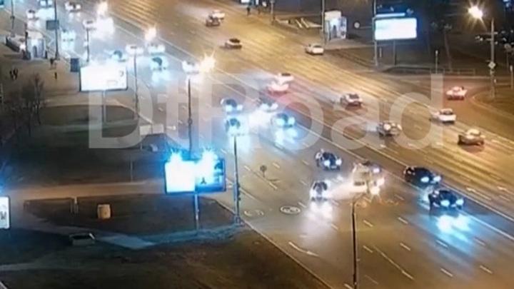 В Москве крупная авария заблокировала Кутузовский проспект