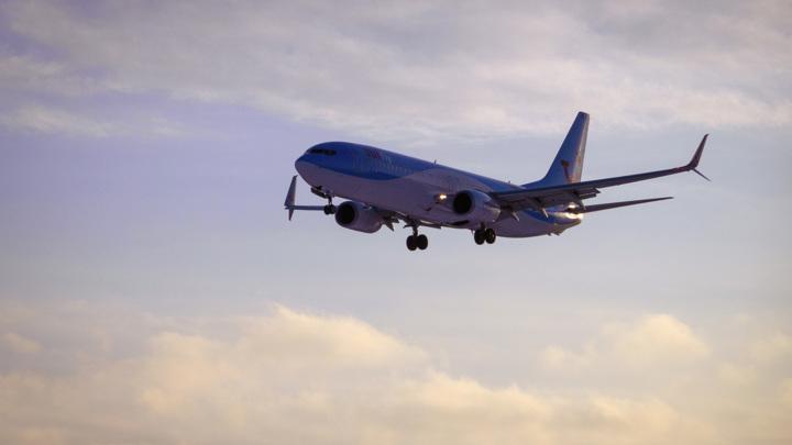 """""""Боинг"""", вылетевший из Сочи, возвращается из-за возможной разгерметизации кабины"""