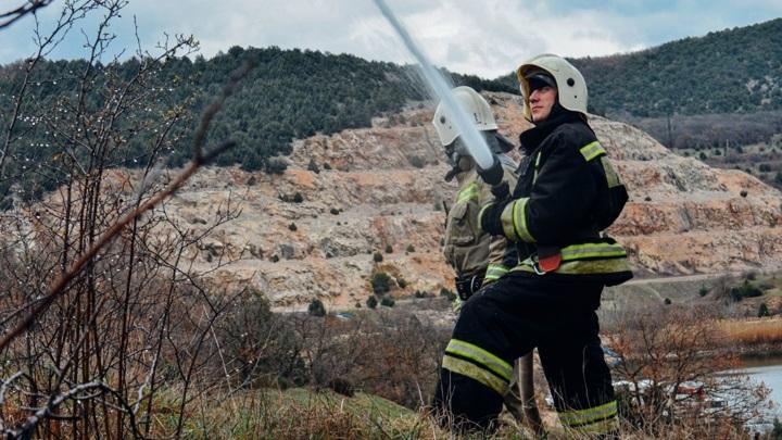 В Севастополе идут учения спасателей по ликвидации ЧС