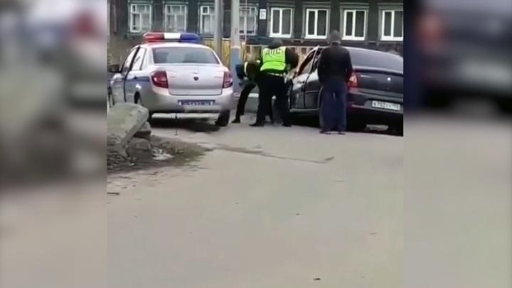 В Арзамасе пьяный водитель протаранил три автомобиля, пытаясь скрыться от полиции
