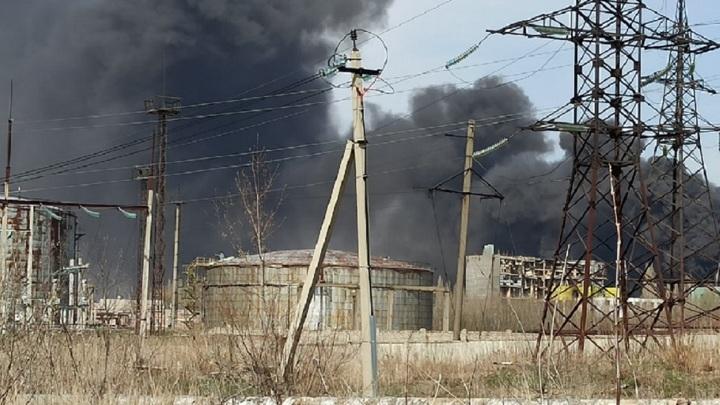 Жителей Данкова напугал черный дым из-за возгорания на заводе
