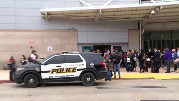 В Техасе ликвидировали мужчину, устроившего стрельбу у аэропорта