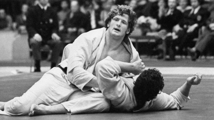 Умер олимпийский чемпион по дзюдо Сергей Новиков