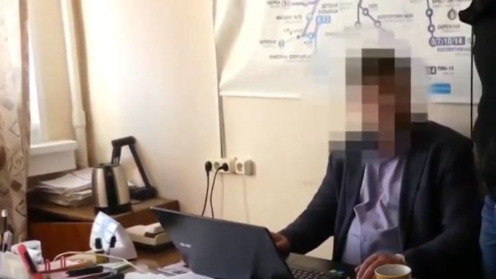 Начальника отдела транспорта и связи администрации Кинешмы задержали за получение взятки