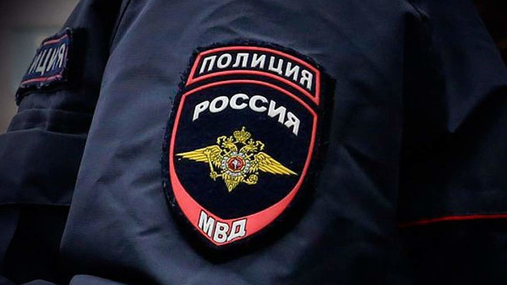 Двое неизвестных напали на салон сотовой связи в центре Москвы