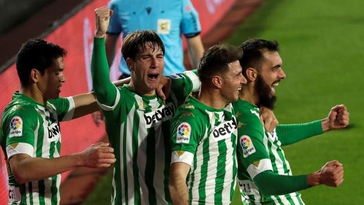 """Бетис"" исключил ""Реал"" и ""Барселону"" из Ла Лиги и вышел на третье место"