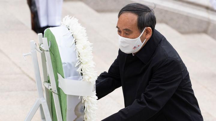 Премьер Японии направил масакаки в храм Ясукуни, но сам не поехал