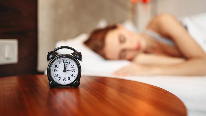 Учёные продолжают находить признаки того, что снижение качества сна неким образом связано с развитием деменции.