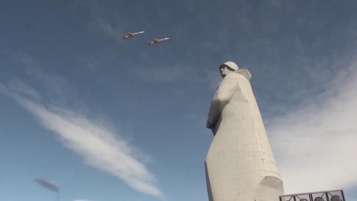 Летчики Северного флота репетировали пролет над Мурманском к 9 мая