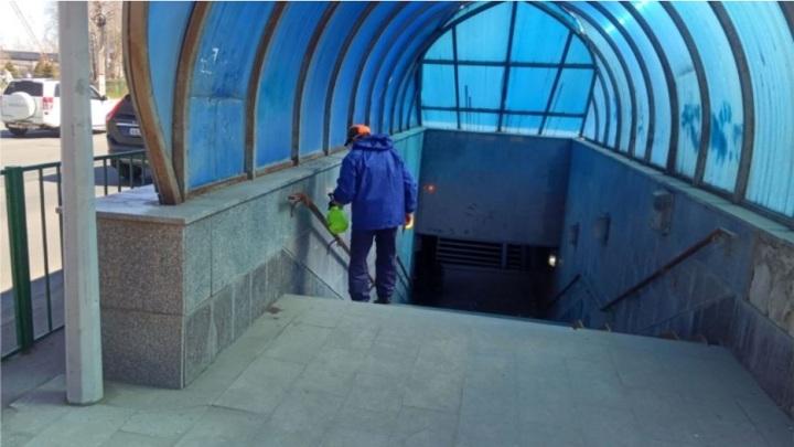 В Чебоксарах возобновили дезинфекцию подземных переходов и остановок