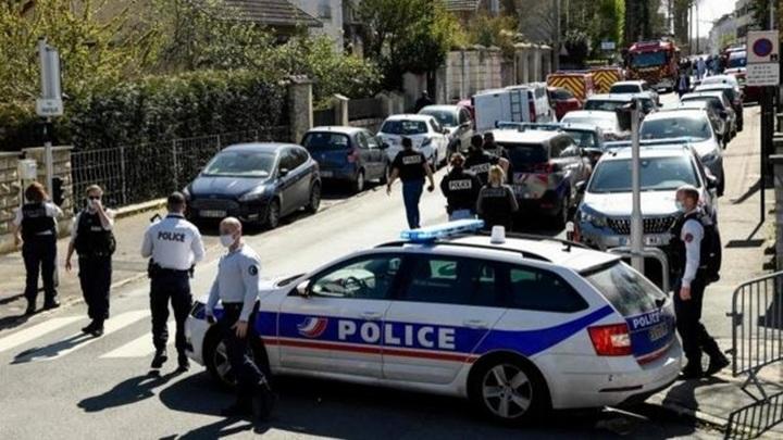 У тунисца, напавшего на полицейского, нашли исламистскую пропаганду
