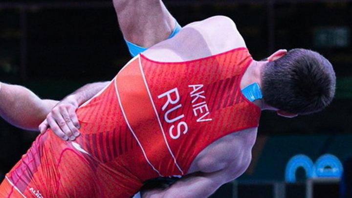 Россиянин Акиев стал чемпионом Европы по греко-римской борьбе