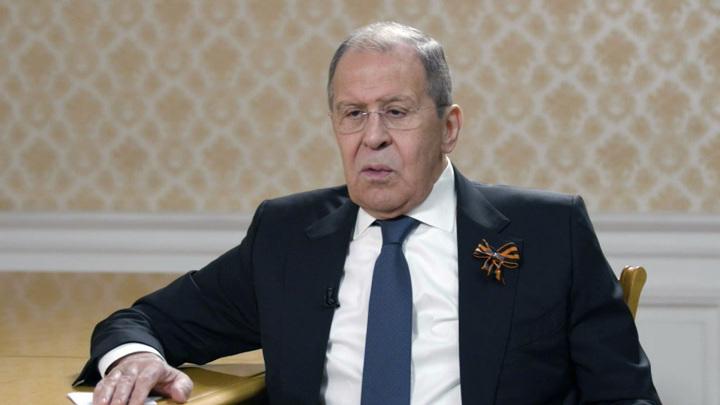 Лавров назвал позорным расследование взрывов во Врбетице