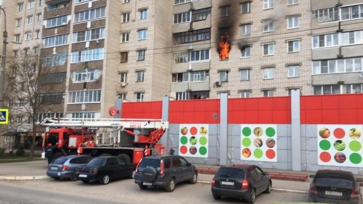 В Коврове при пожаре в многоквартирном доме пострадал мужчина