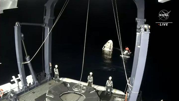 Crew Dragon приводнился в Мексиканском заливе