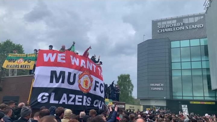 """Матч """"МанЮнайтед"""" – """"Ливерпуль"""" перенесен из-за протестов болельщиков"""