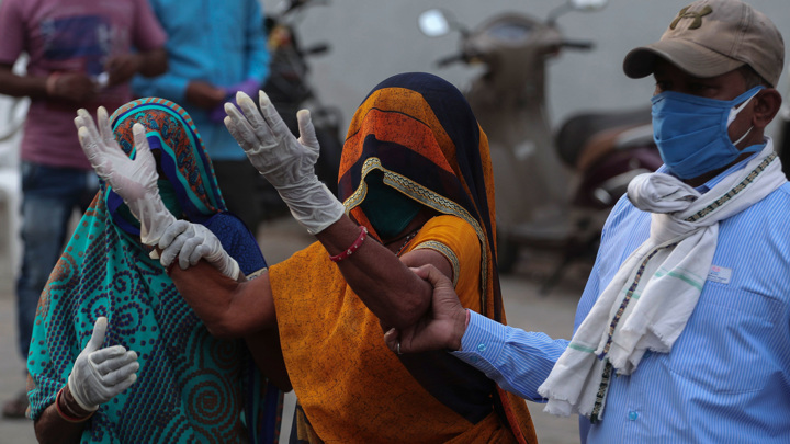 Индийский политик заступился за коронавирус