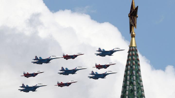 Шойгу доложил Путину о ходе подготовки к параду Победы 9 мая на Красной площади