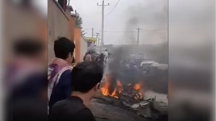 В Афганистане пассажирский автобус подорвался на мине