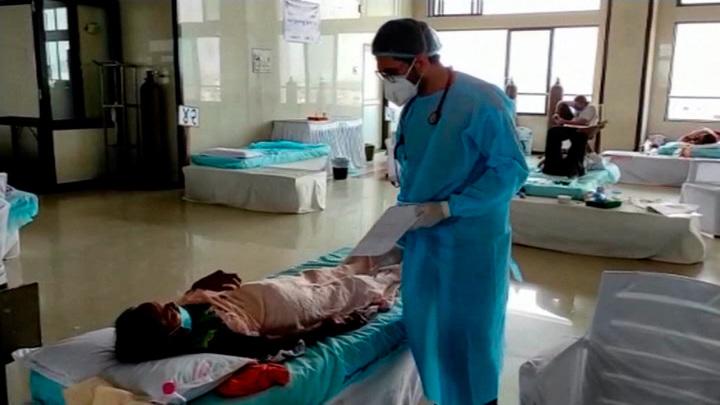 Более 24 млн человек заболели коронавирусом в Индии с начала пандемии