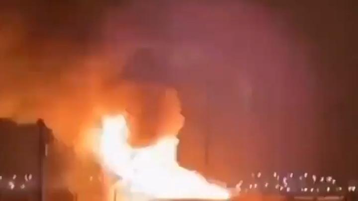 Пожар на крупнейшем нефтяном месторождении Кувейта попал на видео