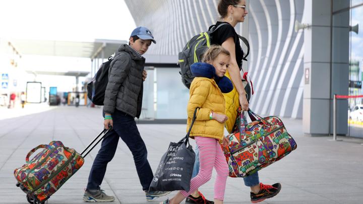 Спорт, еда и путевки: на что тратили деньги в майские праздники