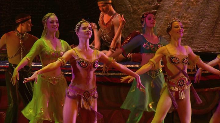 """В Государственном Кремлевском дворце показали балет """"Тысяча и одна ночь"""""""