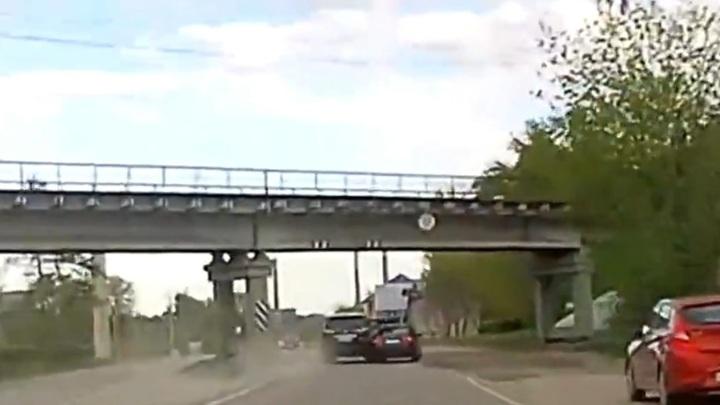 Авария с участием машины сенатора Королева попала на видео